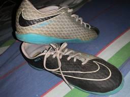 Chuteira Nike original ( está suja)