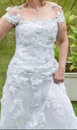 Vestido de noiva com espartilho (corselet) e mangas removíveis