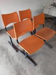 Vendo 2 Cadeiras Longarina Iso 2 lugares