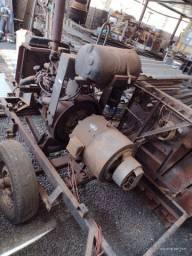 Motor a diesel com gerador e carretinha