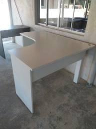 Mesa para escritório usada em L , branca