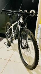 Bike specialized Rockhopper 24V aro 29 em ótimas condições