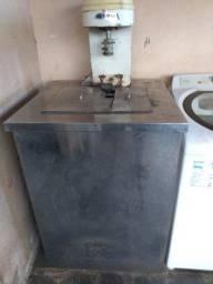 Máquina semi industrial para produção de sorvete e picole