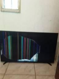 Televisor tela plana Samsung 43 com tela quebrada para retirar peças