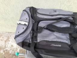Bolsas, sacola  de viagem, preta 60,00 A cinza 100,00