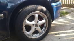 Rodas 15  com pneus.