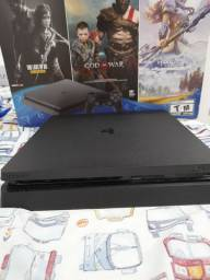 Playstation 4 slim usado tempo de uso: 12 meses