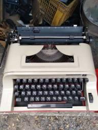 Maquina de escrever remington 15 , ideal para colecionador,  apenas 130 reais