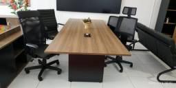 Mesa reunião e cadeiras