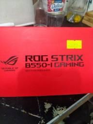 PC TOP  Asus Rog strix B550-I + RYZEN 7 3700+ 32 GB DDR4 2666 Hyperx Fury+ Fonte 600