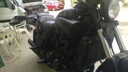 Incrível Vmax 1.200 , toda customizada , linda toda preta fosco !
