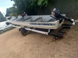 Vende-se canoa de alumínio 7 MT.+motor Yamaha 25 HP + carreta - 2008