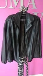 Jaqueta couro preta pouquíssimo uso tamanho médio