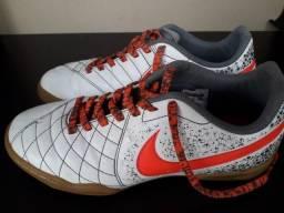 194480e48f Chuteira Futsal Nike (
