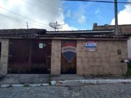 Casa com 3 dormitórios para alugar por R$ 700,00/mês - Santo Antônio - Garanhuns/PE