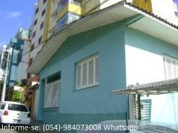 Casa de alvenaria própria para residencia ou comércio