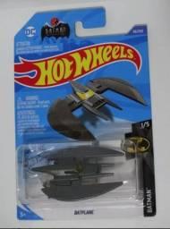Hot Wheels Batman Nave