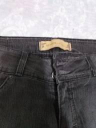 Calça jeans preta (DZARM)NOVA42