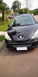 Peugeot 207 XR 1.4(flex) 2013 - cor preta - Todas revisões em dia