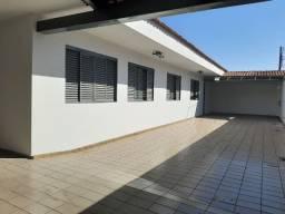 Casa grande no setor Coimbra, ao lado do Setor oeste
