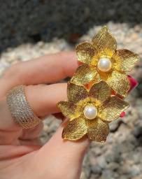 Brinco Flor Foleado a Ouro 18k
