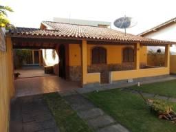 Excelente casa Linear bem Localizada a 100 metros da Lagoa Praia Linda - S P A- RJ