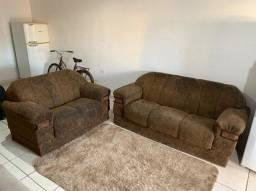 Sofá top madeira bruta pesado macio e confortável. Nada quebrado (Entrego)
