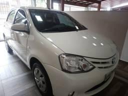 Vendo Toyota Etios