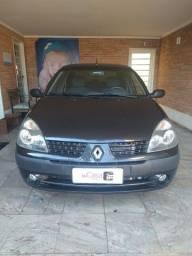 Renault - Clio Expression 1.6 - 2005