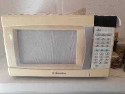 Troco Microondas Electrolux modelo ME28S