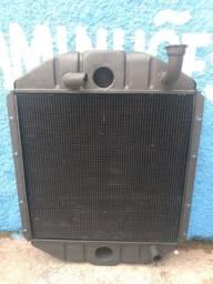 Radiador de água MB 1113/1313/1513/2013/2213 motor 366 A LA turbina em cima