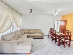 Casa com 3 Quartos e 2 banheiros à Venda, 130 m²