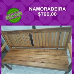 NAMORADEIRA EM MADEIRA