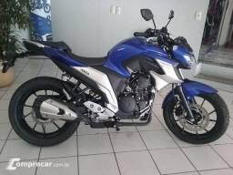 Moto Yamaha fazer 2019