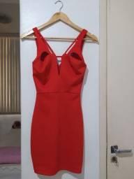 Vestido Vermelho Colado