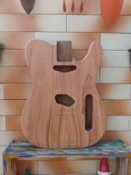 Corpo de guitarra Telecaster em timburi com top de muiacatiara