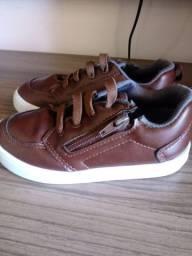 Sapato semi novo lindo