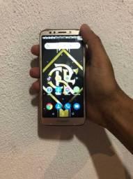 Moto 5 play