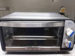 Pequeno forno elétrico