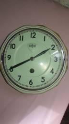Relógio de parede antigo Alemão Schattan à corda