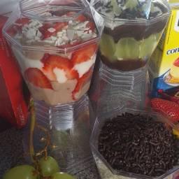 Copo  da felicidade 8 bolos no pote 5
