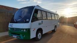 Micro ônibus W8 32 passageiros