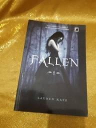 "Livro ""Fallen"""