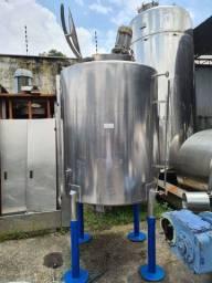 Tanque inox 2.200 litros com misturador