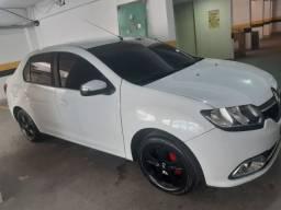Renault Logan Dynamique Hi-Flex 1.6 8v - Mais Completo do Mercado