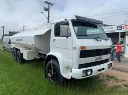 VW 13130 truck pipa