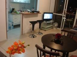 Av. das Américas, Apartamento mobiliado, sala, 2 quartos, varanda, garagem, piscina, etc