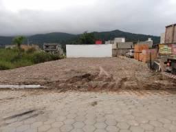 Terreno em área central, com 306M², super aterrado, rua calçada!!! Morretes Itapema