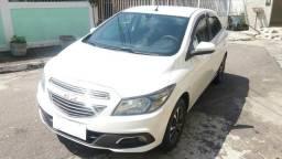 Chevrolet onix 1.4 -top de linha - 2013