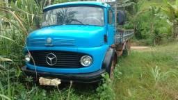 Caminhão toco 1113